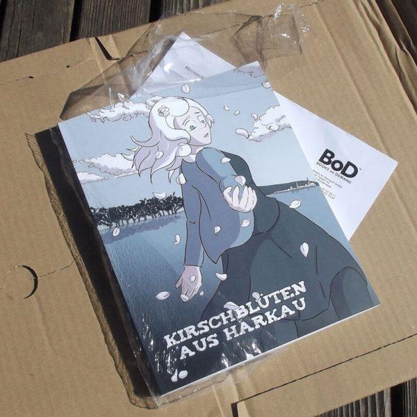 Das fertige Exemplar der Graphic Novel Kirschblüten aus Harkau